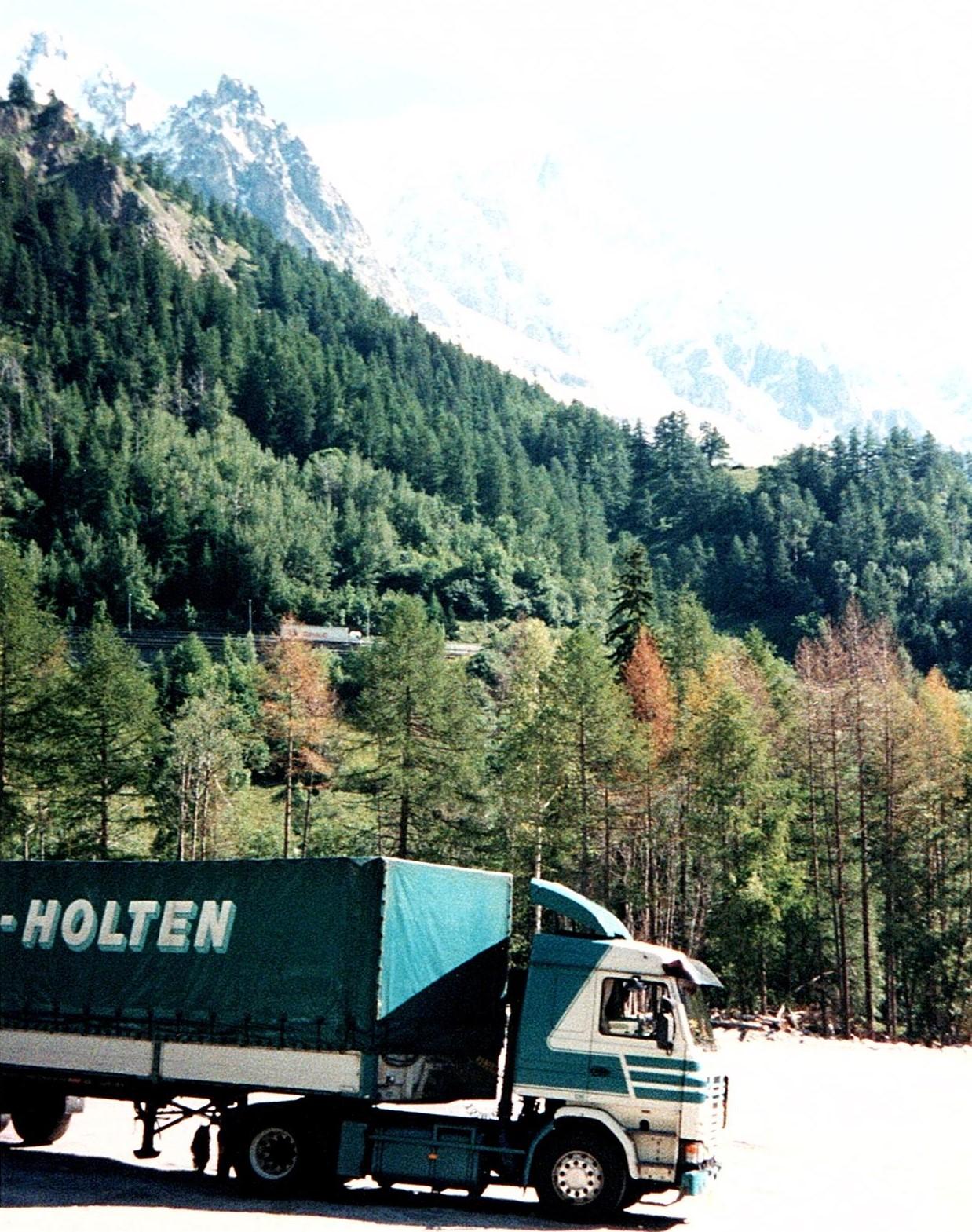 Bert-met-de-Scania-vakantie-vieren-in-Italie-5