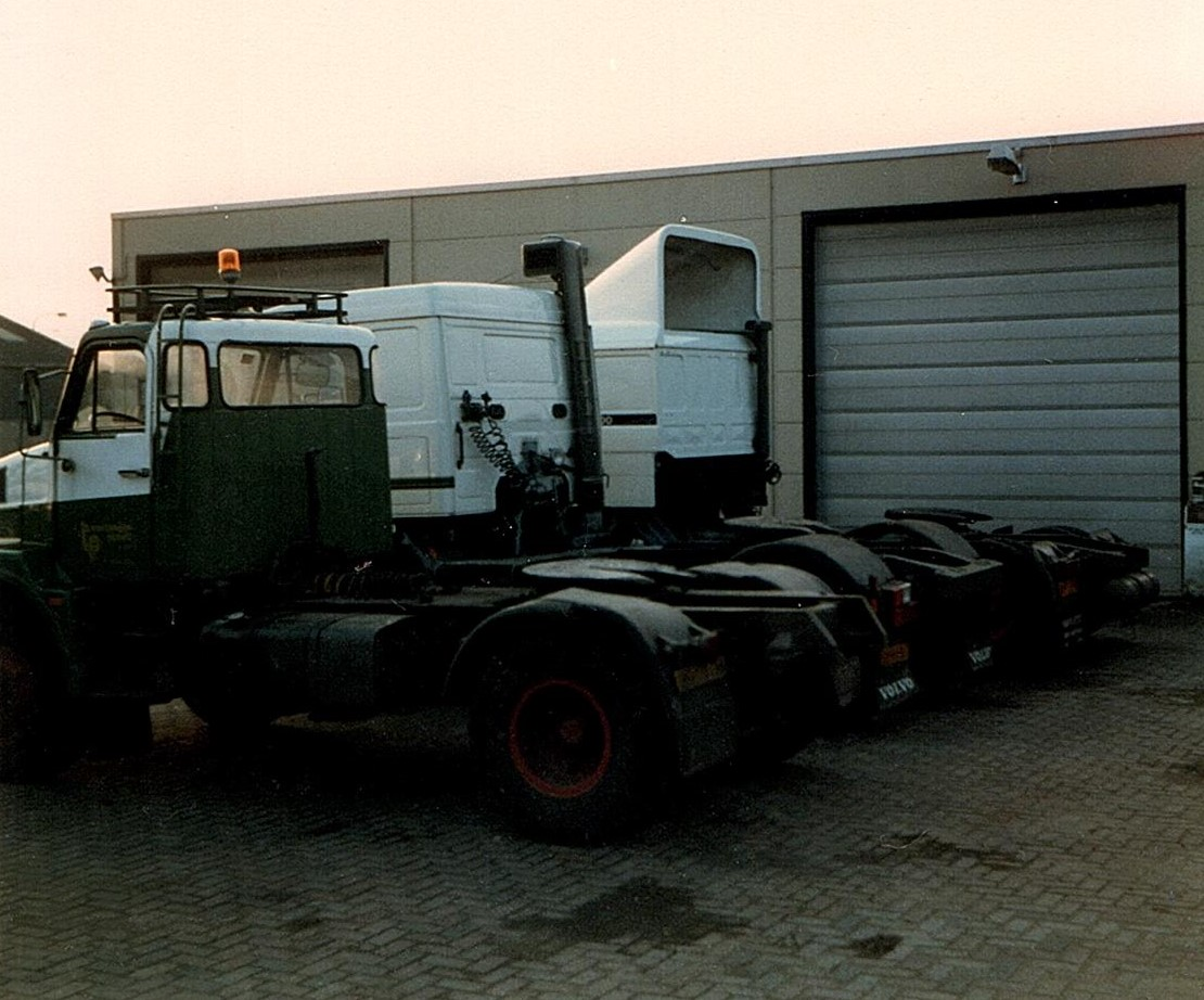 Volvo-N-Volvo-F12-Daf