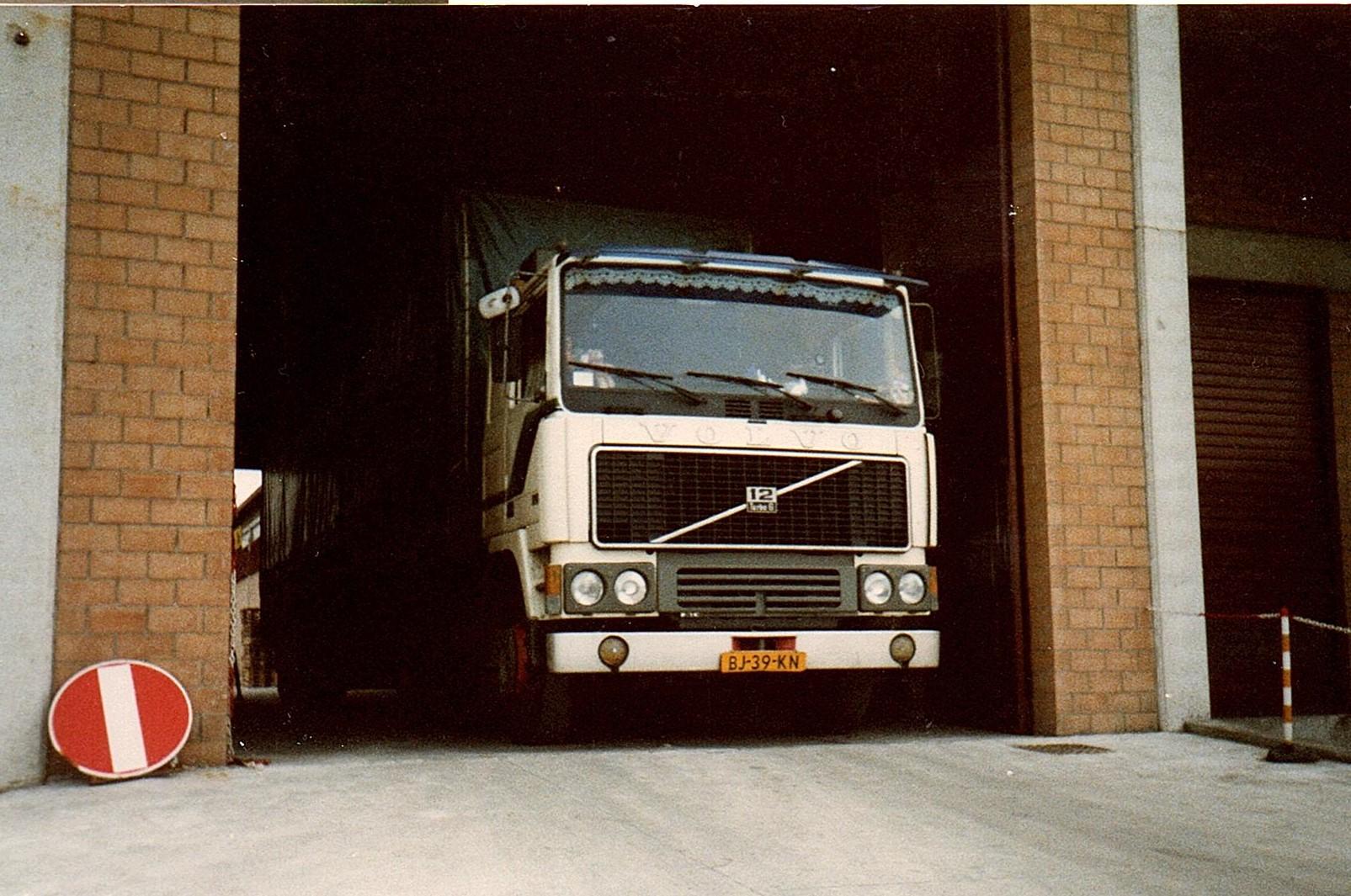 Volvo-F12-met-Bert-Kosemans-onderweg--1