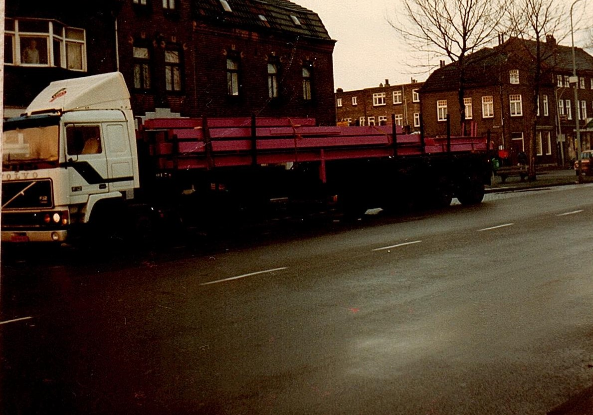 Volvo-met-lengte-transport-
