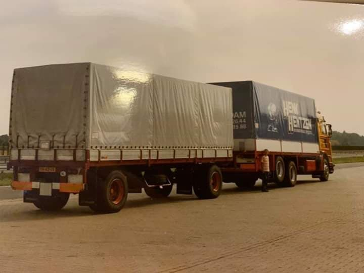 Scania--Oude-aanhanger-van-Manders-Venlo--Ronny-Steijvers-foto
