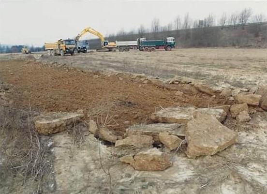 Hans-Blom-Op-starten-afgraving-bij-Staalbouw-Frijnts-3
