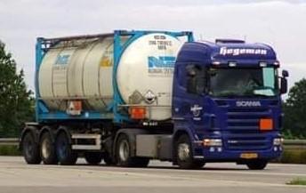 Scania--R380-2007-BS-ZD-24-waar-een-smerige-chauffeur-mee-gereden-heeft.6