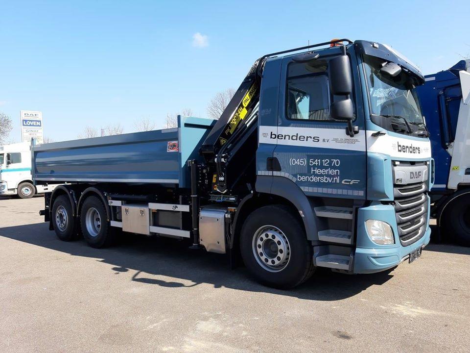 daf-cf430--fan-bakwagen-ajk-heeft-de-palfinger-pk-18002-geplaatst-1-5-2020-