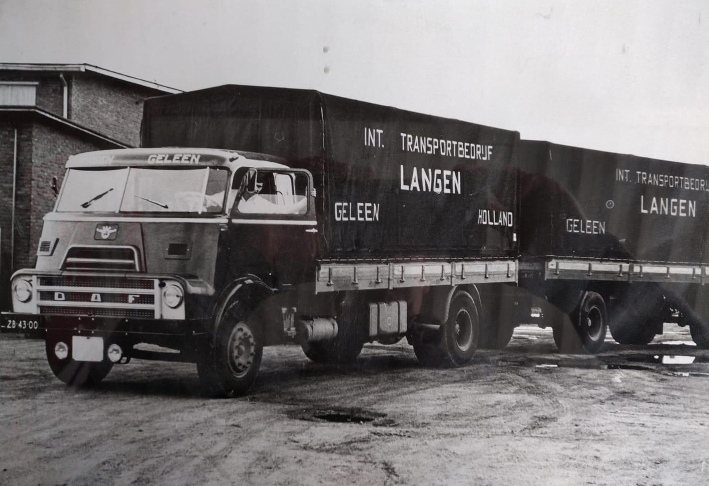 Ruud-Janssen-ZB-43-00-carr-Lucker--total-loss-in-Martelange-door-andere-chauffeur-weer-oopgebouwd-door-Charles-Feijts-en-toen-naar-Schils-Melkpoeder