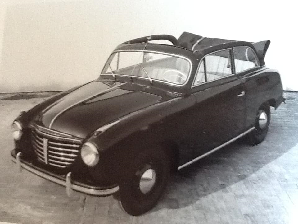 Garage-L-Bakker-in-Rijssen--was-in-de-jaren-50--ook-dealer-van-Goliath-en-Borgward--Tieme-Bakker-archief--1