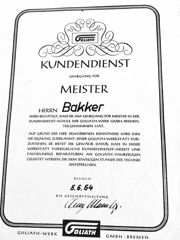 Garage-L-Bakker-in-Rijssen--was-in-de-jaren-50--ook-dealer-van-Goliath-en-Borgward--Tieme-Bakker-archief--2