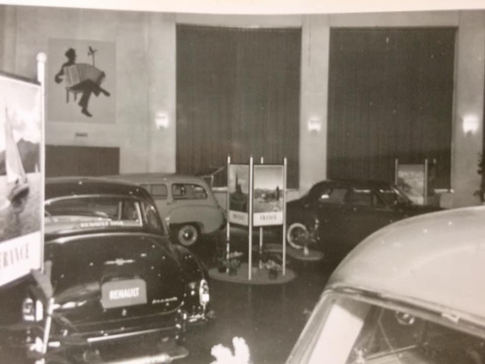 Renault-show-jaarlijkse-autoshow-bij-Hotel-de-Kroon-in-Hellendoorn1