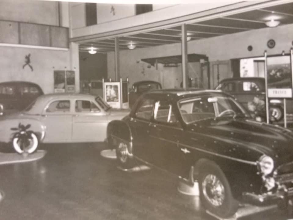 Renault-show-jaarlijkse-autoshow-bij-Hotel-de-Kroon-in-Hellendoorn2