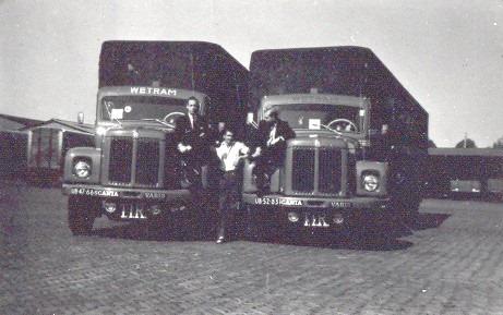 Jan-Figee--eigenaar-direkteur-WETRAM--BoB-Kool-chauffeur-UB-47-66-en-Jan-van-Oostendorp-oud-medewerker-WETRAM-in-Frankfurt-Main