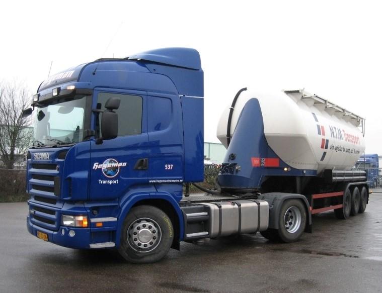 NR-537-Scania-R420-van-Andreas-Duitse-chauffeur-afdeling-logistics-op-Italie-4