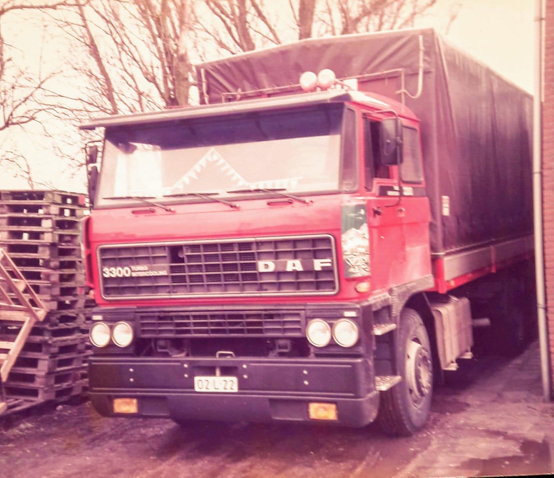 laatste-zeilenwagen-de-BK-43-YP-hier-nog-op-L-kenteken-1985-Pter-Claessen-chauffeur-