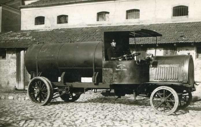 Brandweer-Skopje-1910--Strezo-Cubalevski-photo-archive--1