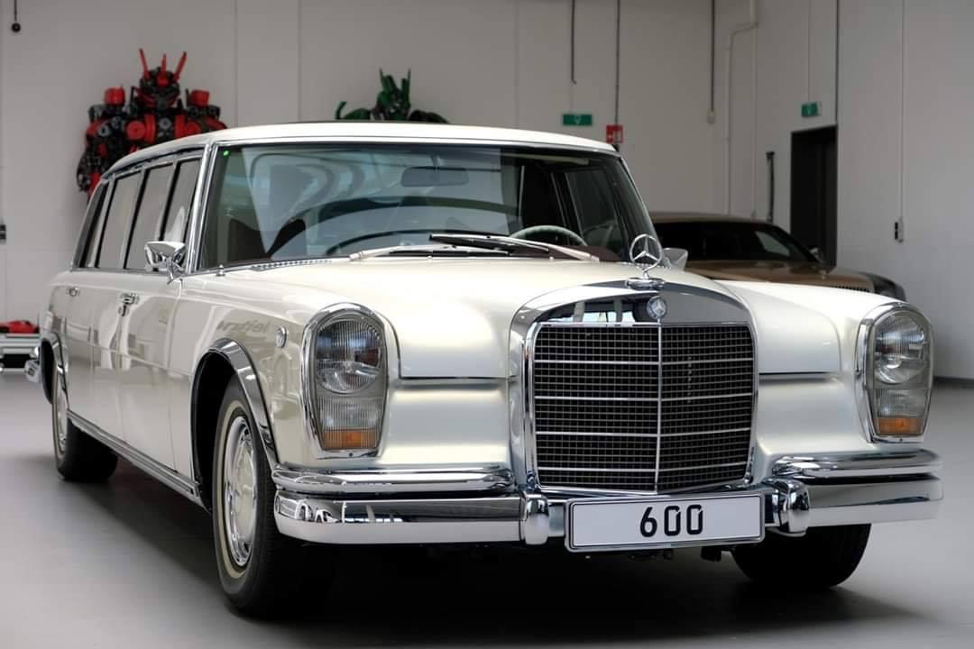Mercedes-600-W100