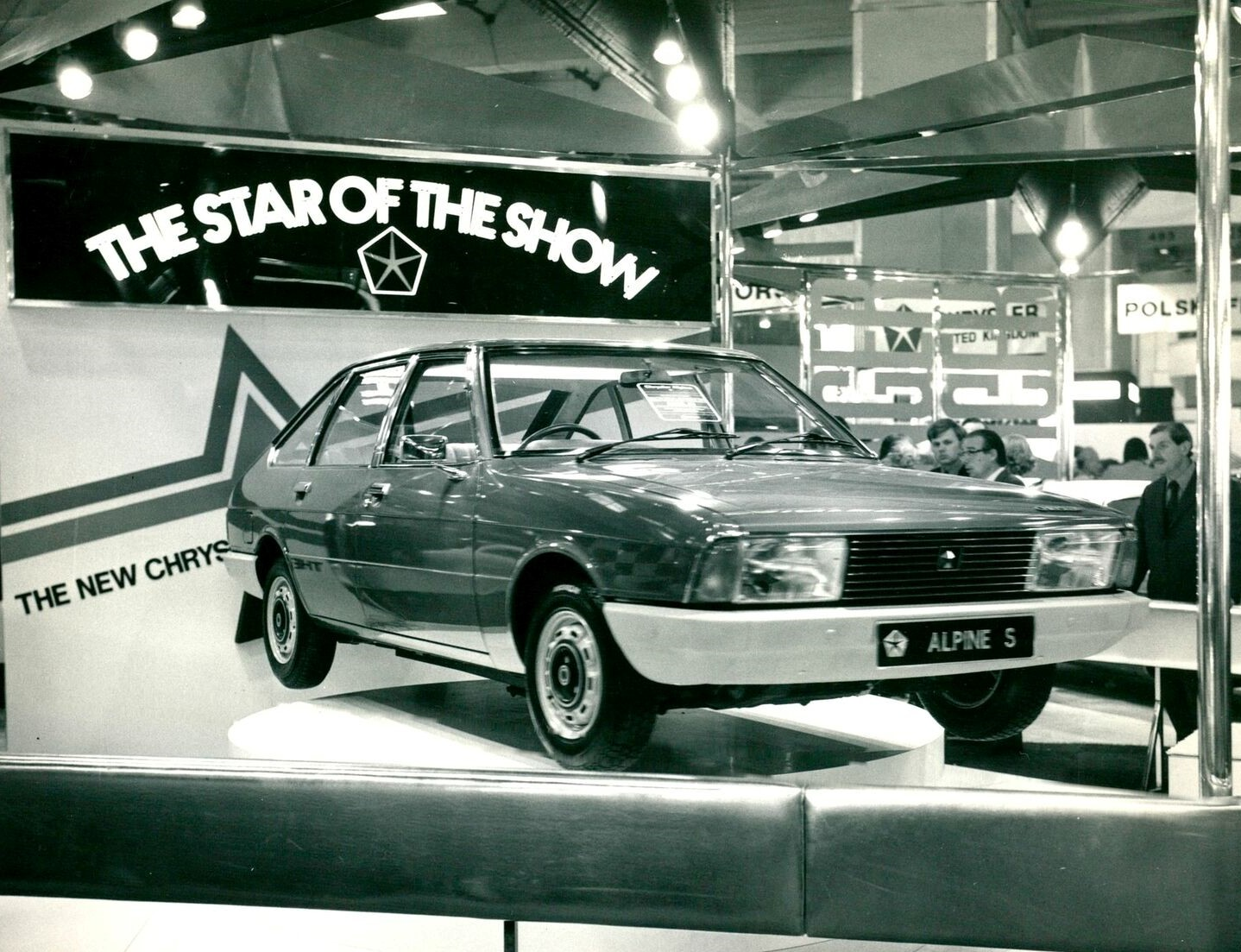 THE-STAR-OF-THE-SHOW--CHRYSLER-ALPINE--LONDON-EARLS-COURT-MOTOR-SHOW-1975--2