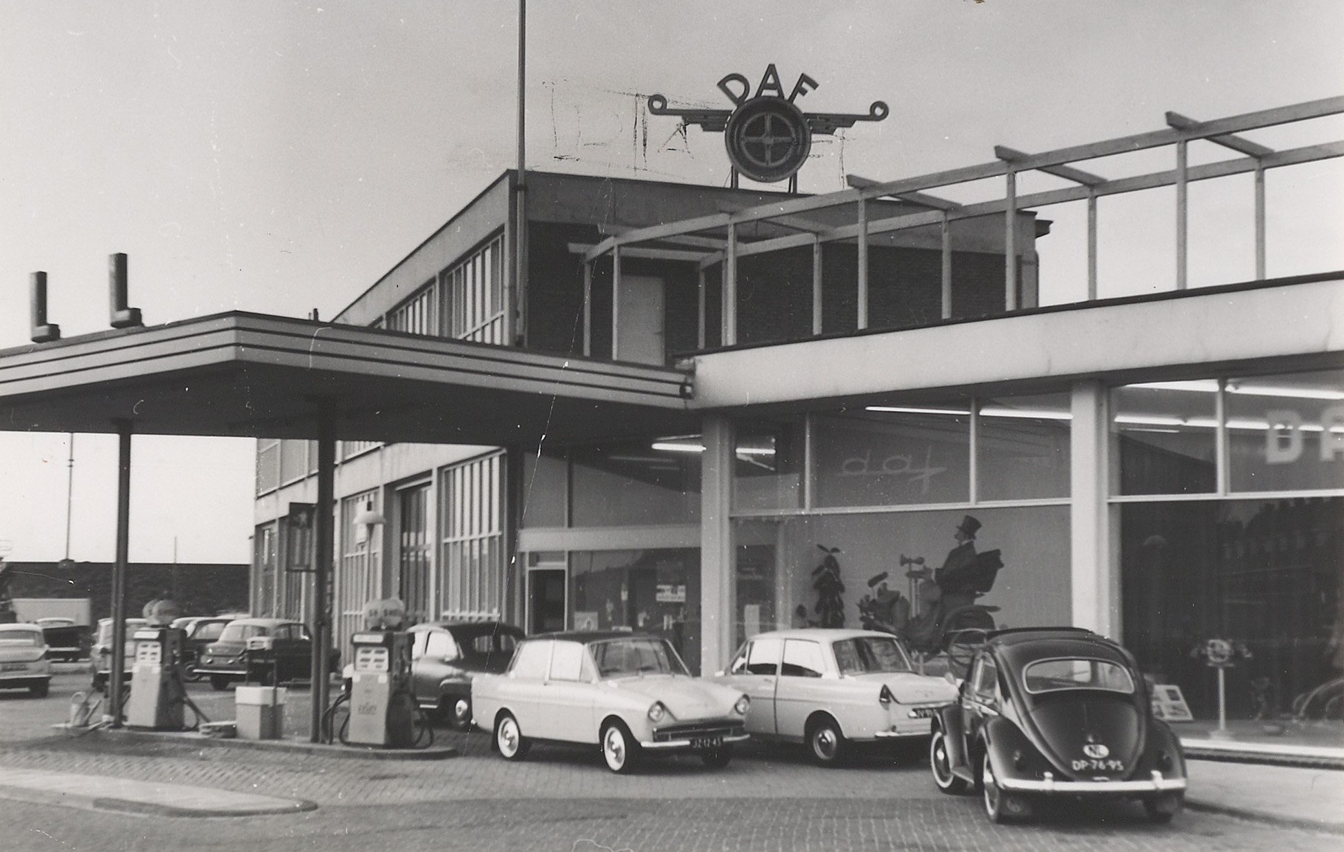 NAM-garage--DAF-Dealer--te-Haarlem--1964-2