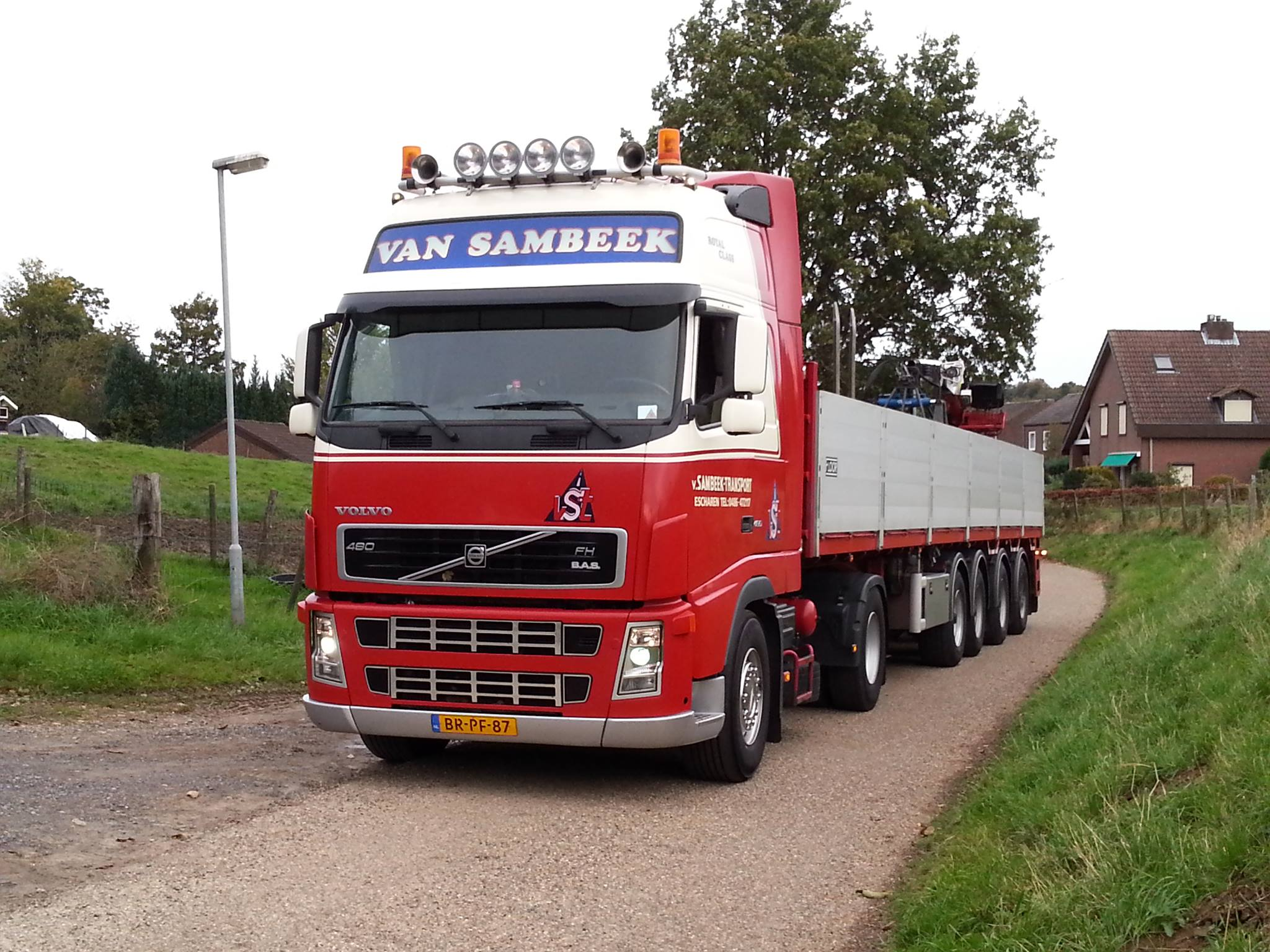 Volvo-BR-PF-87-vandaag-8-Jaar-En-950-000KM-in-het-binnenlandje--