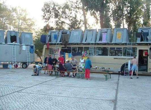 Rodesia-tenten-staan-op-het-dak