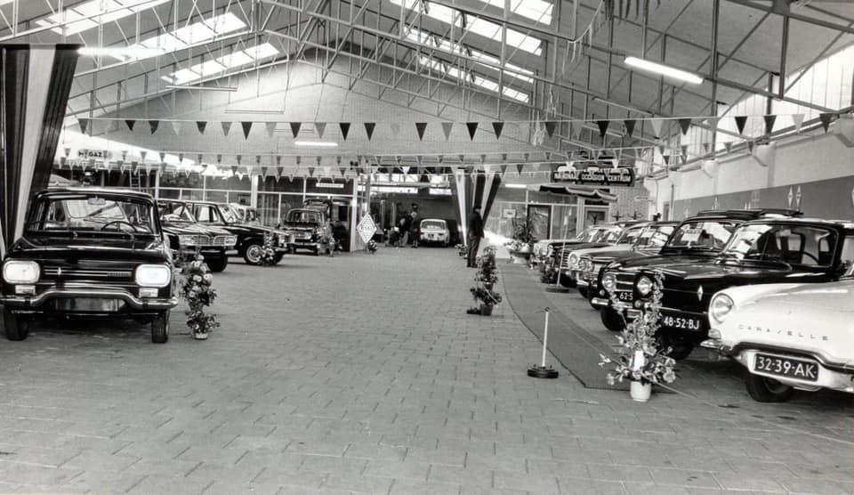 Renault-dealer-De-Vries-te-Sneek--Rudolf-Meijer-foto--2