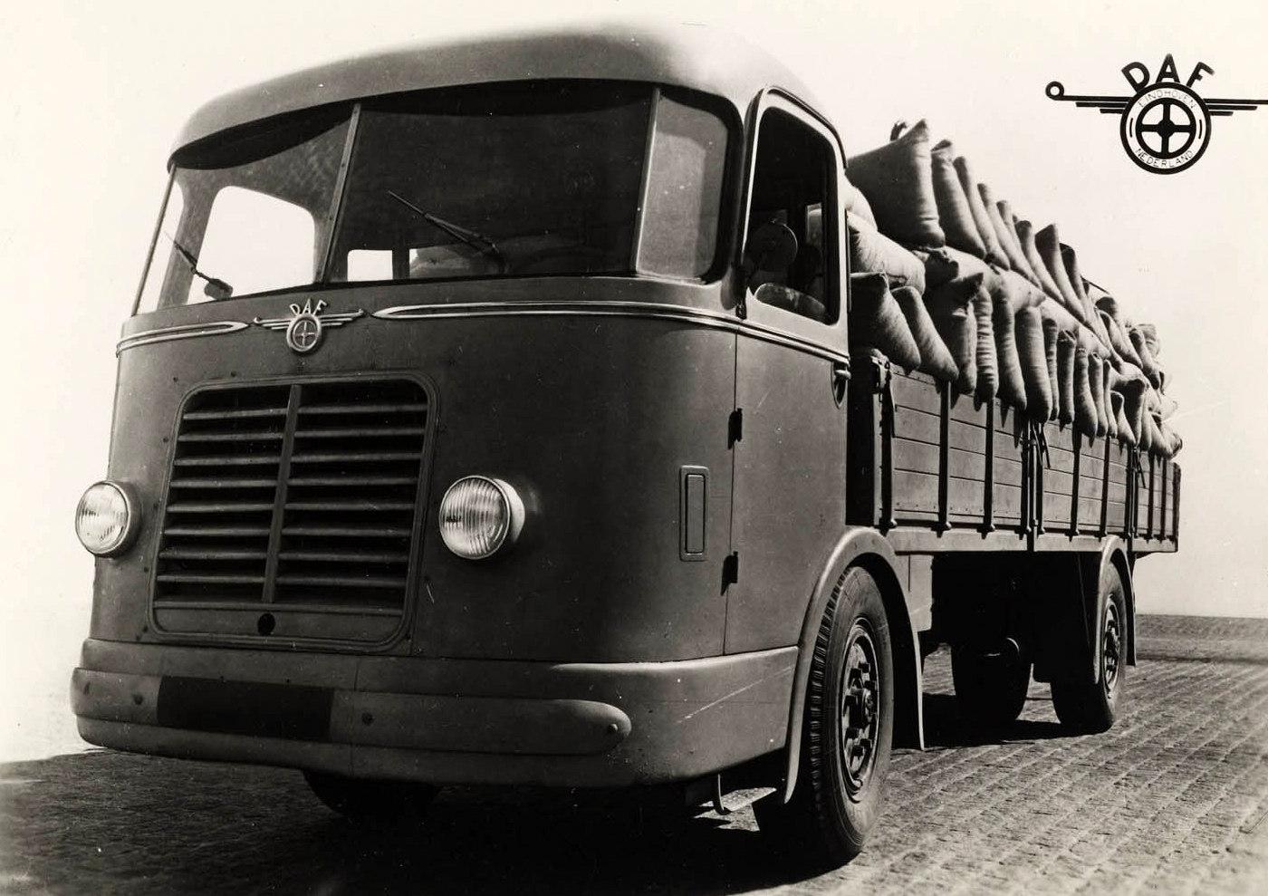 DAF-DT10--1943--4