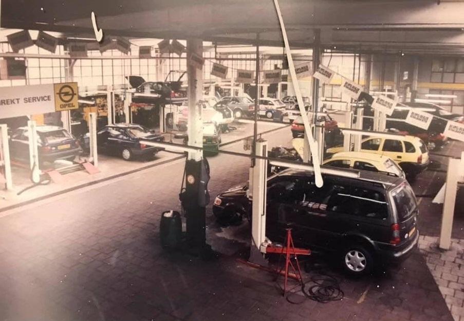Opel-dealer-ENNAM-aan-de-Hereweg-in-Groningen--Kornelis-Ten-Have-archief-1