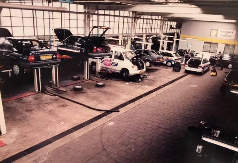 Opel-dealer-ENNAM-aan-de-Hereweg-in-Groningen--Kornelis-Ten-Have-archief-2
