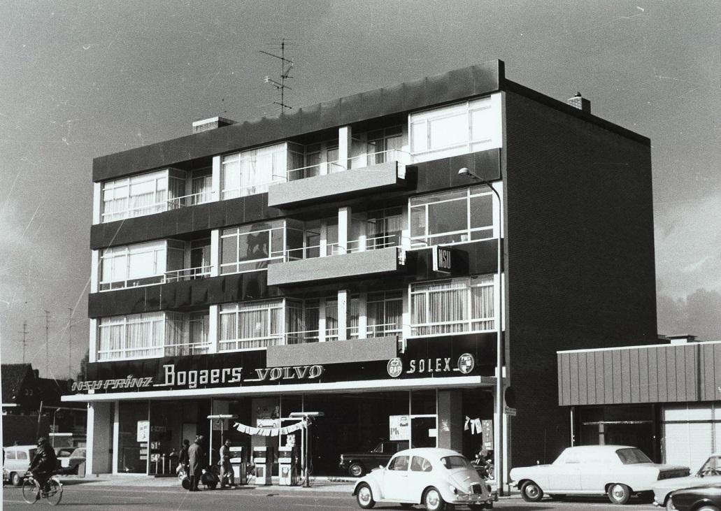 Volvo---Garage-Frans-Bogaers-in-nieuwe-pand-aan-de-Schouwburgring--1967