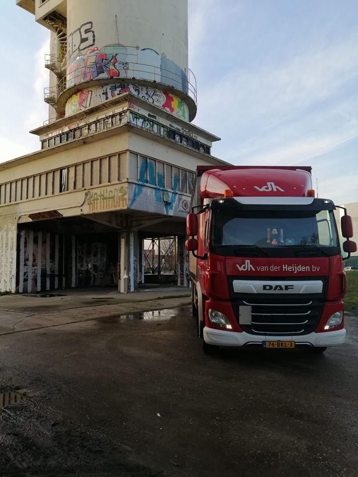 chauffeur-Nick-Mauritsz-tijdens-een-rit-naar-Mainvault-in-Belgie.-1