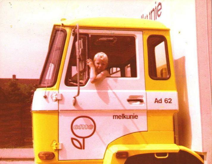 DAF-Ad-62-met-nieuwe-chauffeur-die-toen-ca-8-jaar-was--Michiel-Grasmeijer-