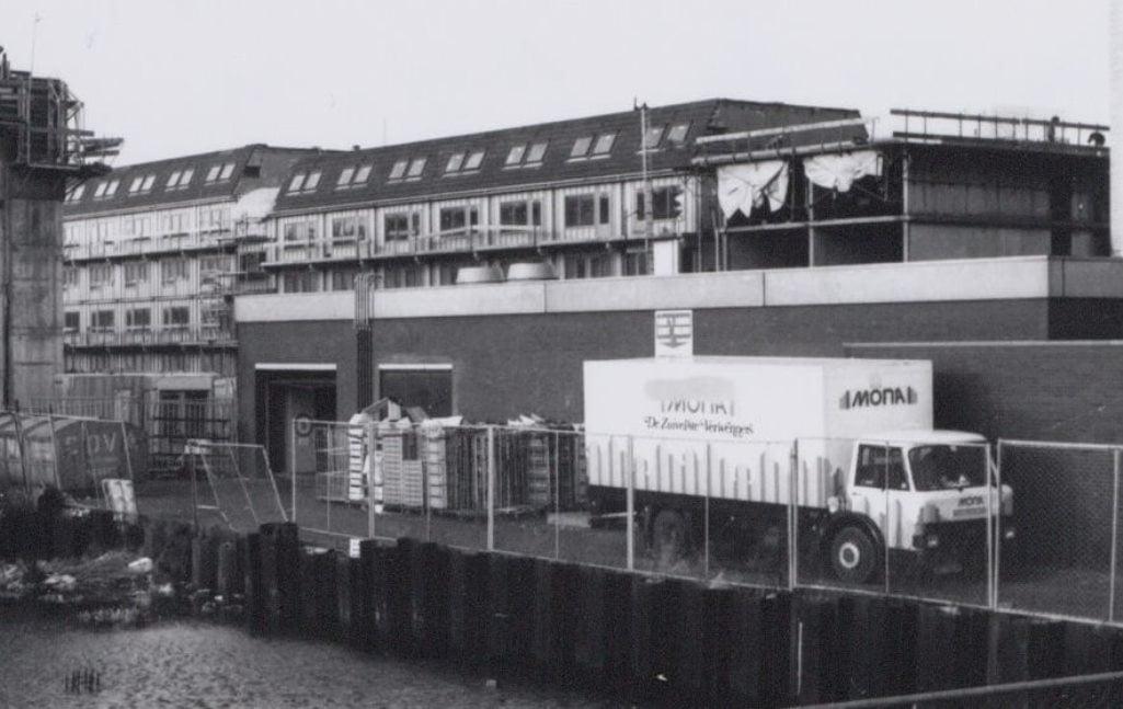 Ford-bij-de-Wibaustraat-Amsterdam-Michiel-Grasmeijer-foto