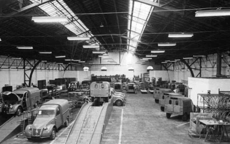 Citroen-Fabriek-van-de-Citroen-2cv-Fourgonette-rond-1959