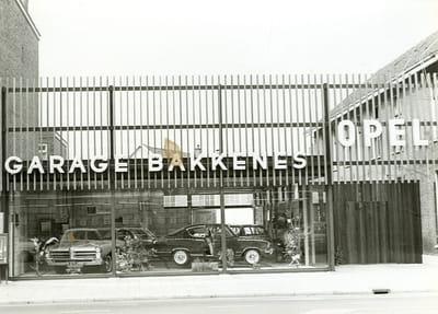 Opel-Garage-Bakkenes-in--Stationsstraat-Apeldoorn