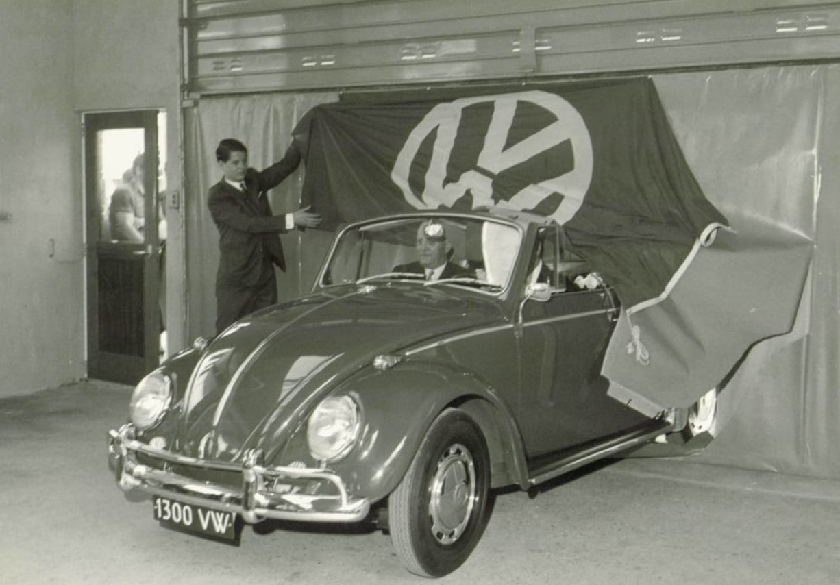 VW--1300-Dealer---de-Waal-Tiel
