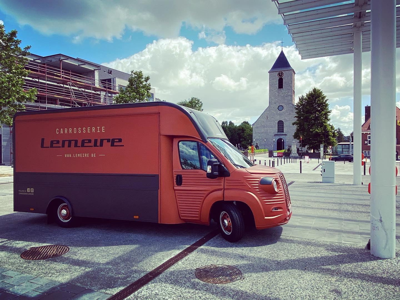 Hans-Lemeire-met-de-nieuwe-Citroen--HY-1