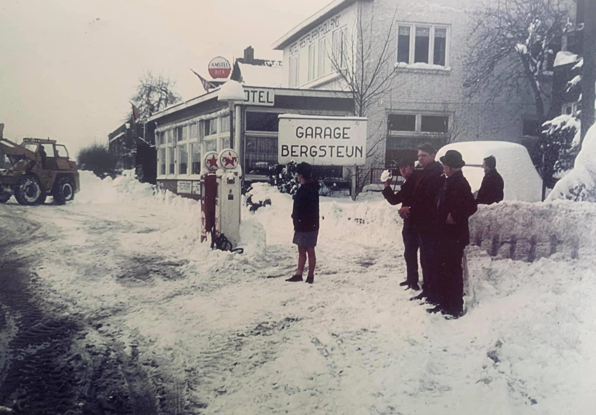 Opel-Dealer-en-Caltex--1968