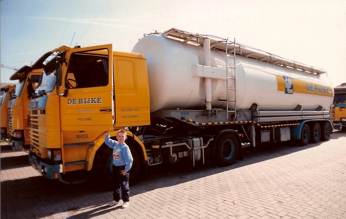Scania--Francois-Boogaard-met-zijn-vader-1992-in-Sluiskil
