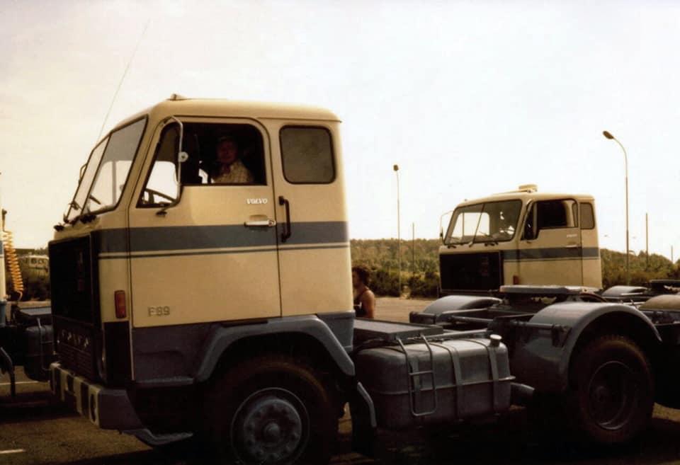Volvo-F89-nieuw-1971-ophalen-bij-de-fabriek-met-driver-Kovar-2