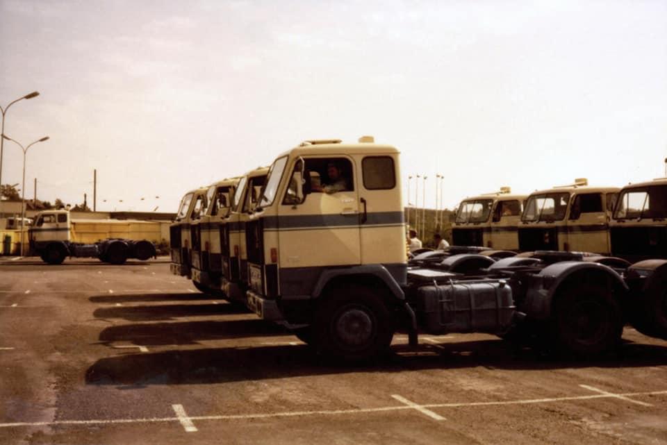 Volvo-F89-nieuw-1971-ophalen-bij-de-fabriek-met-driver-Kovar-3