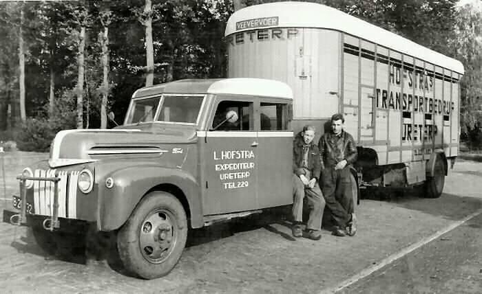 Ford-V8-benzine-met-dubbele-cabine-voor-de-kopers-of-verkopers