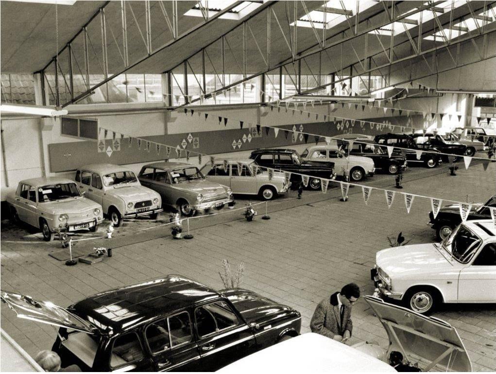 Renault-dealer--Autobedrijf-de-Vries-Sneek