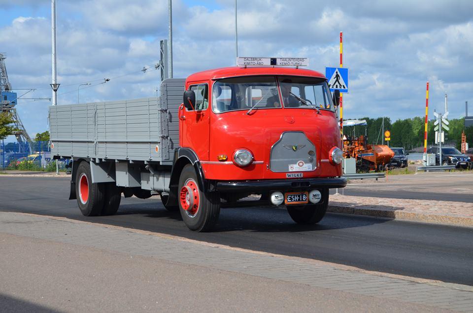Volvo-met-Finse-opbouw-van-Wilke