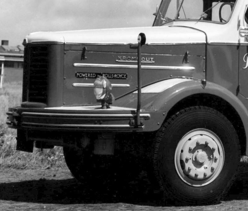 KROMHOUT--mit-200-PS-Rolls-Royce-Dieselmotor-3