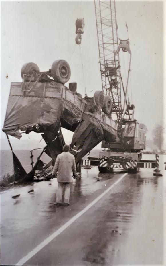Bussing-in-grote-problemen-Hans-Faassen-archief-2