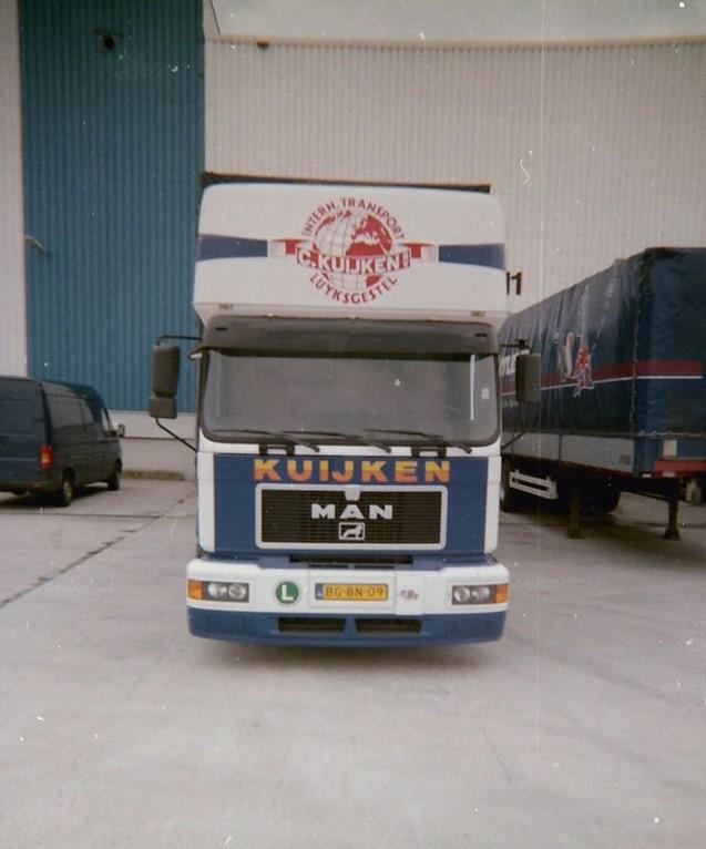 Joey-Borrenbergs-de-eertse-keer-met-Ron-mee-in-1999-met-20-adressen-van-Bordeaux-tot-Perpinon-2