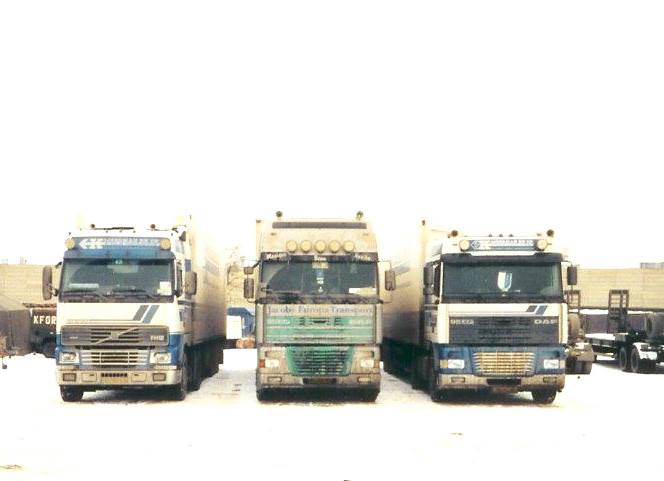DAF-XF--Murphy-Lines-in-Pristina-Frans-Archief