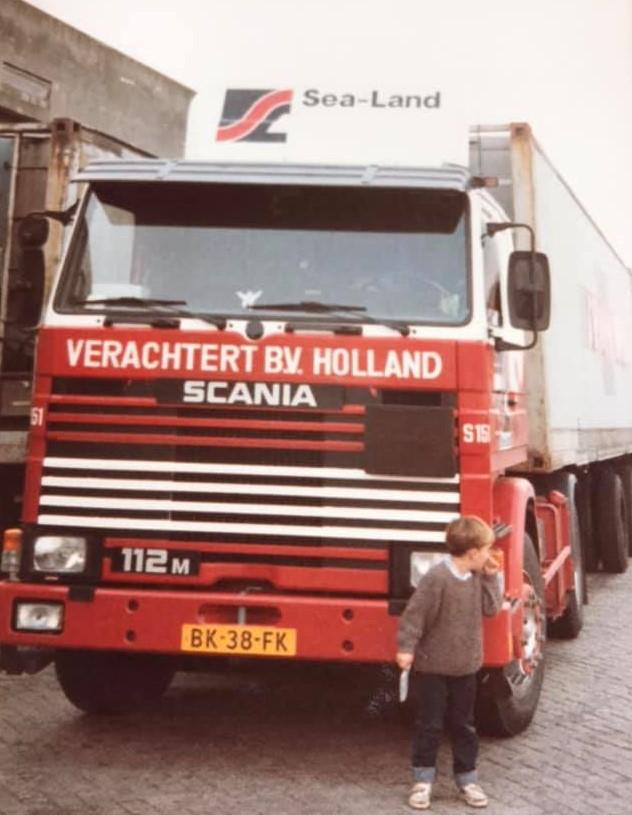 Scania-met-nieuwe-chauffeur-Lee-v-d-Velden-foto