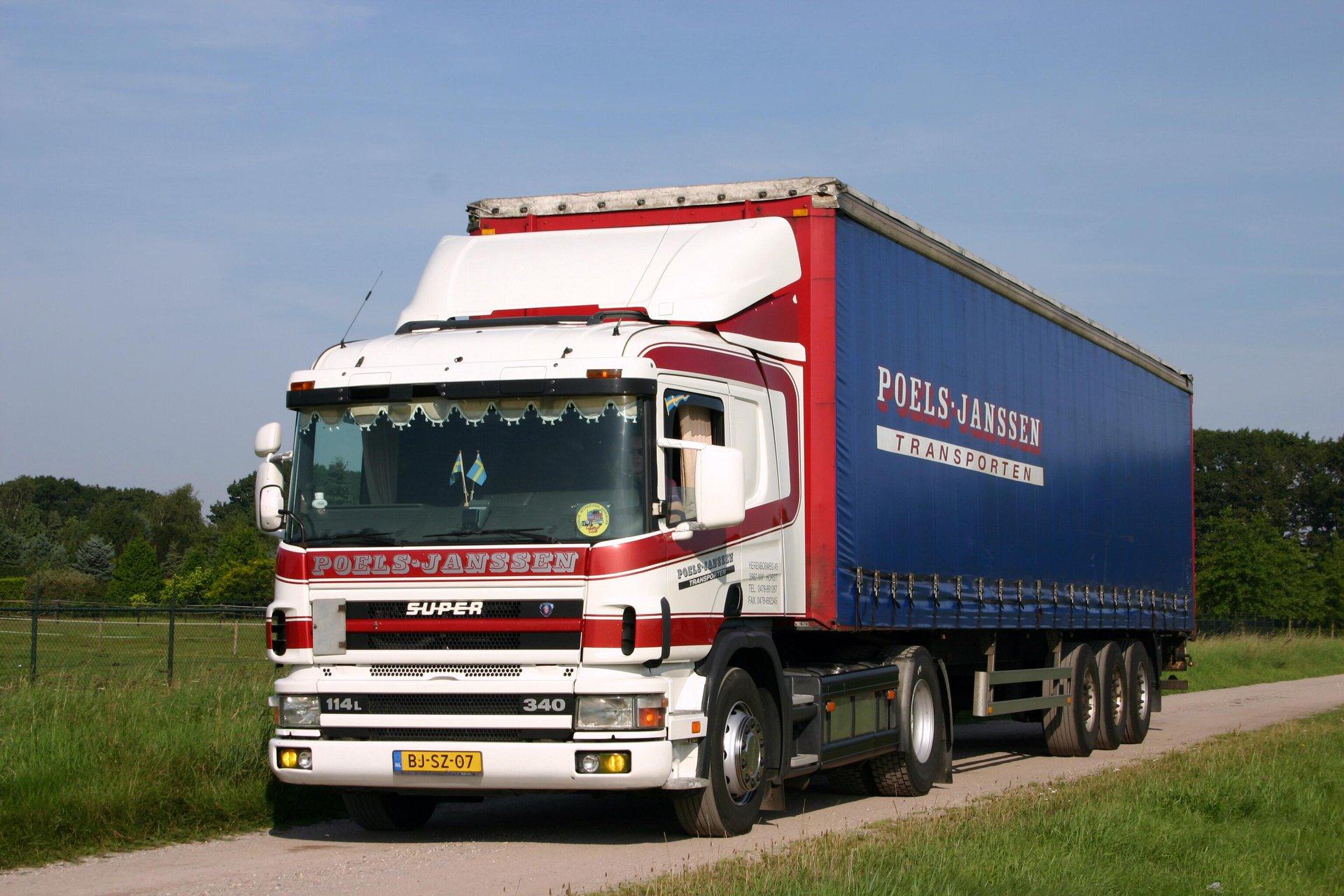 Chauffeur-Rel-Look-Scania-114L--340-Math-Keijsers-foto-