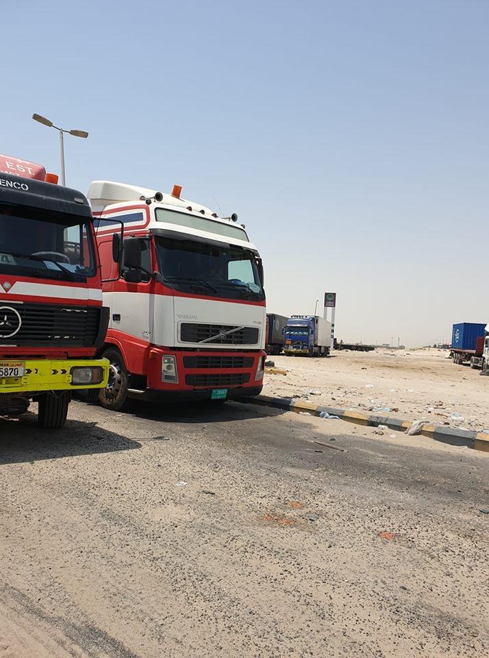 Volvo-trekker-ex-AC-Rijnberg-Terneuzen--kenteken-Dubai--gespot-in-Dammam-Saoedi