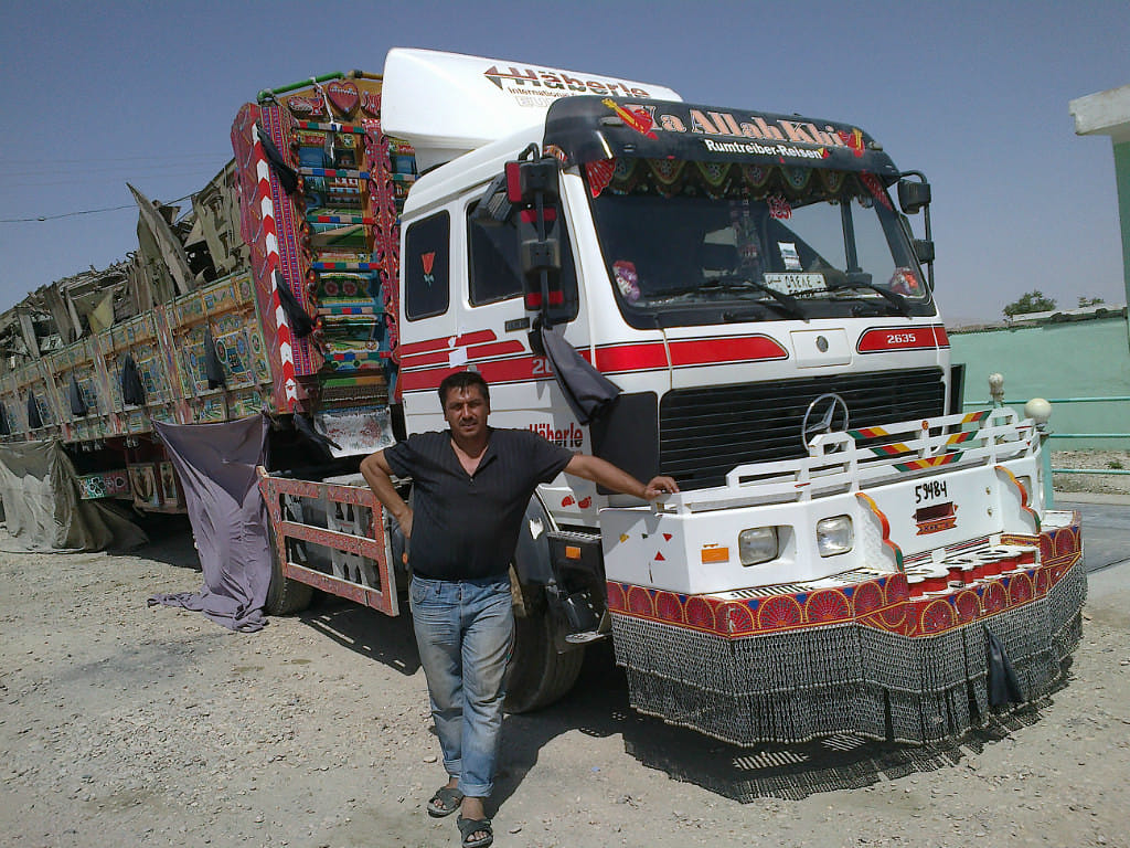 Mercedes-Afganistan