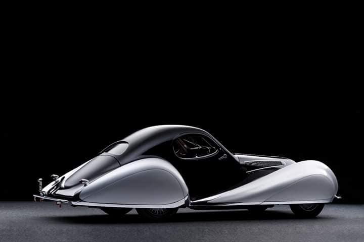 Talbot-Lago-T150-C-SS--Goutte-d-Eau-Coupe-by-Figoni-et-Falaschi-1937--2